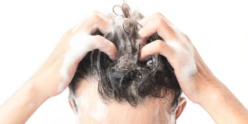 هر چند وقت یکبار موهایمان را بشوییم؟